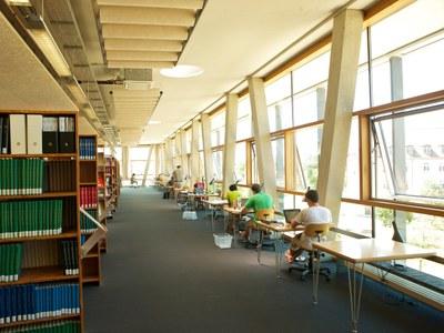 pm--2593-bibliothek-4x3.jpg