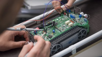 roboter-wissenschaft-0045-16x9-foto-martin-stollbe.jpg